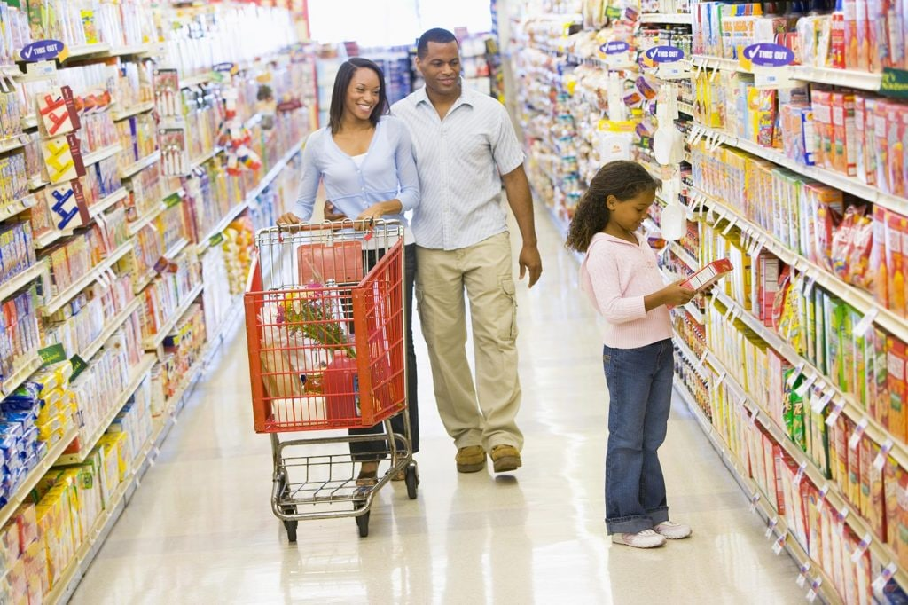 Kids going shopping with their mum and dad is recommended